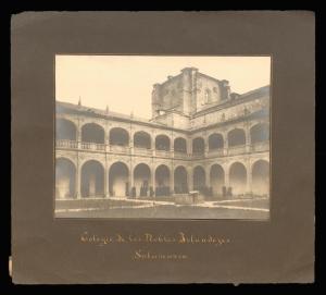 El palacio del Arzobispo Fonseca, Salamanca. The Irish College resided in this building between 1838-1952 and to this day it is still known as El Colegio de los Irlandeses.1926.